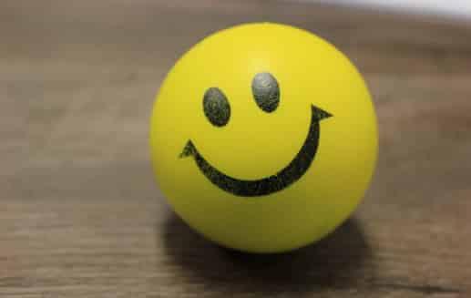 Πώς το χαμόγελο και η θετική σου διάθεση σε οδηγεί στην ευτυχία nlp μανώλης Ισχάκης holistic result coaching